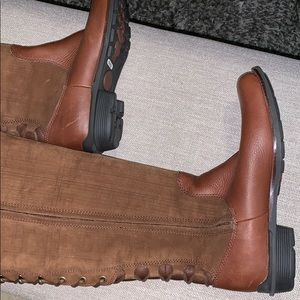 Ugg Brown Leather Suade Boots